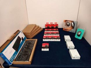 Fig 1 - Fig 1 - (Lotto n.1) N.4 tastiere Logit...
