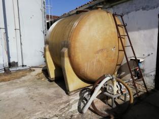 Fig 1 - Fig 1 - rif. 8 - cisterna in vetroresi...