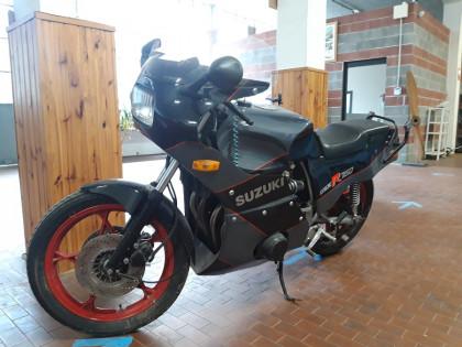 Fig 1 - Fig 1 - Motociclo di marca Suzuki 750...